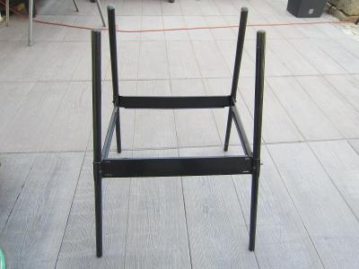 Stolek kovový na elektrický gril
