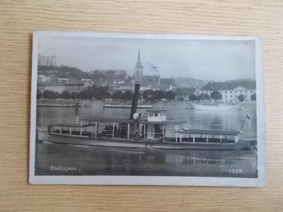 Pohled Slovensko Bratislava Dunaj Lodní doprava parník