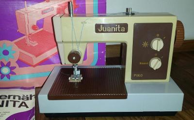 PIKO - Juanita * starý dětský šicí stroj v originál. krabici