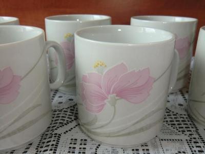 NÁDHERNÝ SET HRNKŮ - 6 ks, porcelánka LOKET