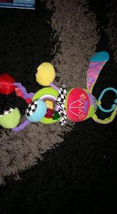 Závěsná hračka na kočárek pro miminka - pejsek