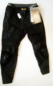 Kožené dámské zkrácené kalhoty s textilem VANUCCI - vel. 21,pas: 86 cm