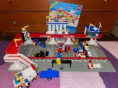 Lego 6395 System/City, Závodiště z 80 let