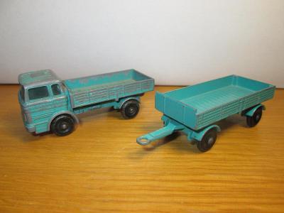 Matchbox Lesney No 1 Mercedes truck & No 2 Mercedes Trailer ( C45 )