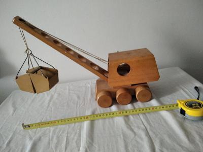 Starožitná dřevěná hračka Jeřáb - bagr