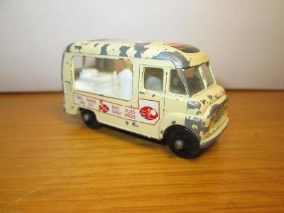 Matchbox Lesney No 47 Commer Ice Cream Canteen ( C55 )