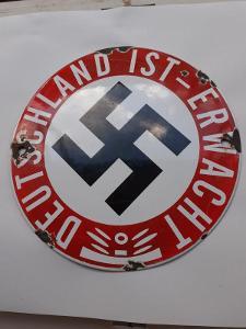 WW2 - Smaltovaná Cedulka DEUTSCHLANT IST ERWACHT  !!!