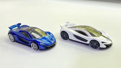McLaren P1 bílá a modrá set 2ks autíčka Hot Wheels 1:64