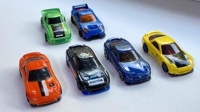 Autíčka Hot Wheels 5 kusů Mazda RX-7 1ks ''24/SEVEN'' 1:64