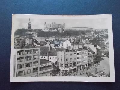 Slovensko Bratislava Hurbanovo náměstí hrad tramvaj