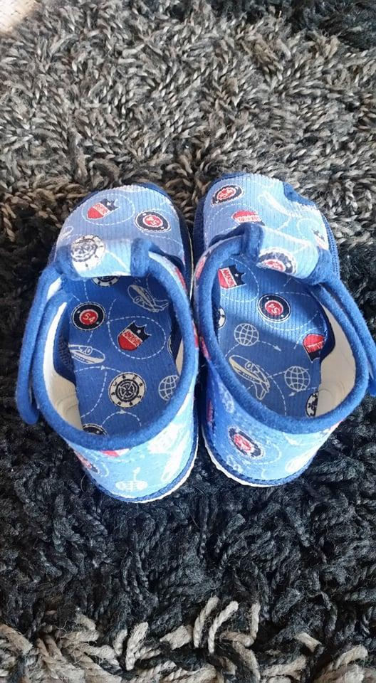 Chlapecké bačkory - velikost 19 - Dětská obuv