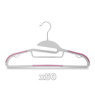 Plastové ramínko na oděvy růžové 50 ks 30328