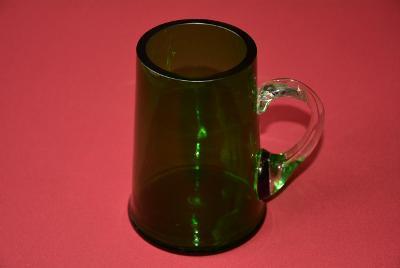 půllitr, hutní sklo, zelený