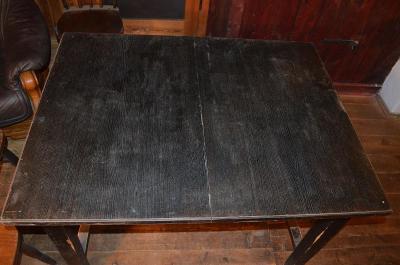 Starý selský rozkládací jídelní stůl + 11 židlí