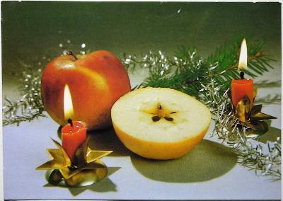 RADOSTNÉ VÁNOCE / jablka, svíčky /