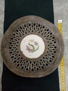 Velmi starý talíř porcelán ,hliník