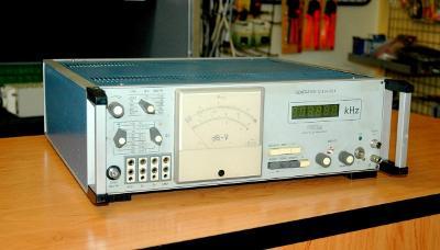 Tesla 12XG032 K, signální generátor, 0 - 700 kHz