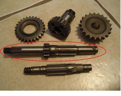 ČZ 175/477 nové původní díly motoru uloženky B.