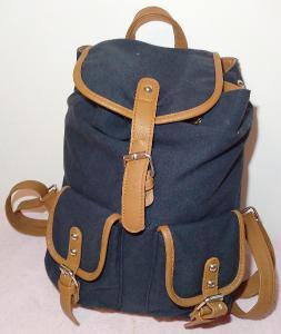 Víceúčelový batoh -jako nový !!!