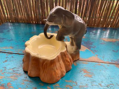 Porcelánový popelník se slonem slon DITMAR URBACH Trnovany Teplice