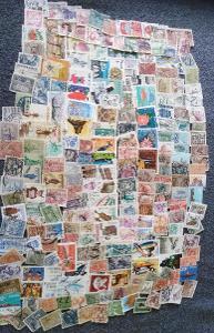 Každá jiná - poštovní známky Polska 225ks