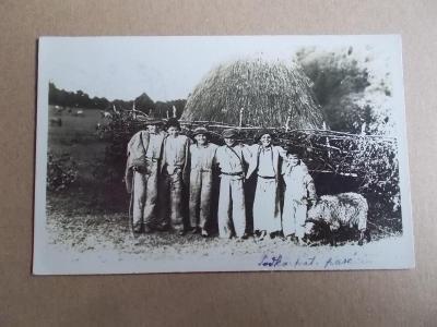 Československo Podkarpatská Rus život lidé pasáček ovcí bača Užhorod