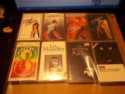 SOUNDTRACK,MUZIKÁL/Soubor 8 ks ....... IMPORT USA / MC originál kasety