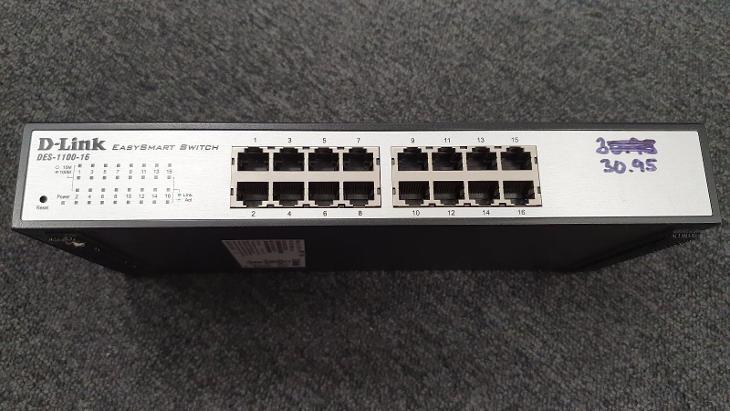 Smart Switch DLINK DES-1100-16  - 16x 10/100 Mbit + management  - PC komponenty