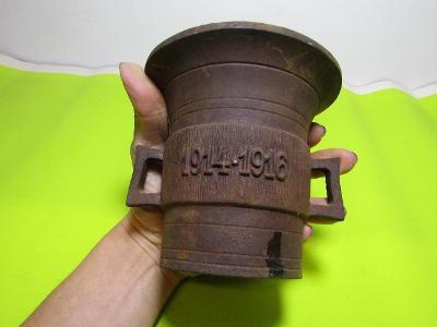 Kovový hmoždíř 1914-1916