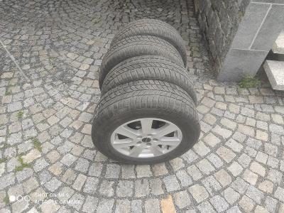 Alu kola na Nissan Qashqai včetně zimních pneu 215/65R16 98H