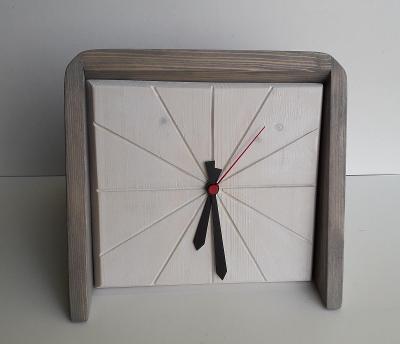 Dřevěné hodiny-stolní-bílá x platan