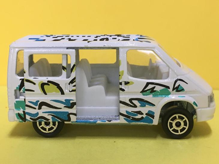 Ford Transit - Majorette 1/60  (H4-b22) - Modelářství