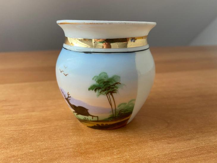 Porcelánový hrnek, výška 6,5 cm, průměr 6 cm, bez poškození - Porcelán