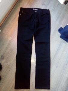 Nádherné černé džíny vel.28
