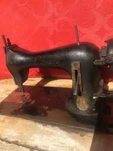 Šicí stroj - starožitnost