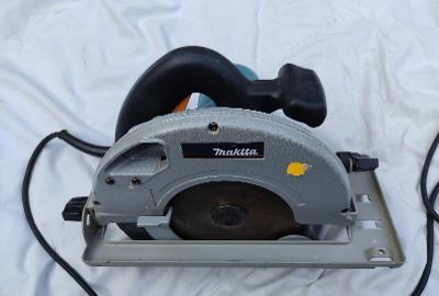 MAKITA 5703R okružní pila / mafl 1300W, prořez 66mm