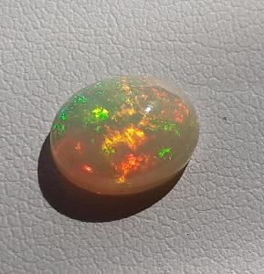 Etiopský opál ovál