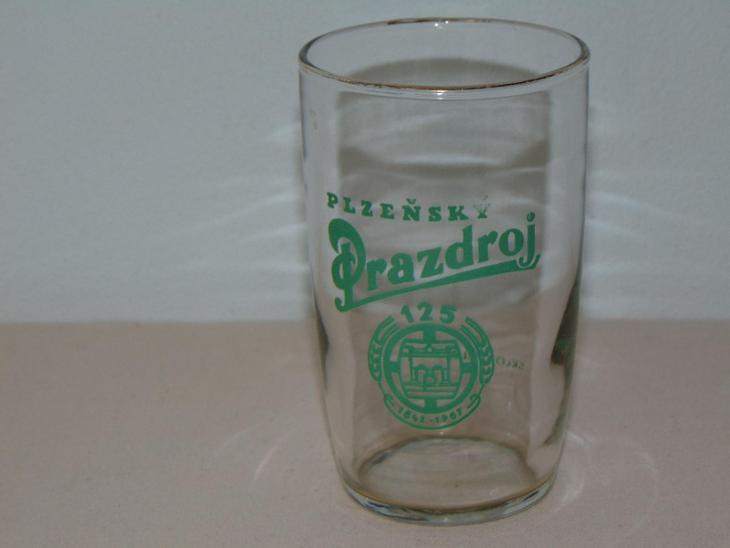 Stará pivní sklenice s logem - Nápojový průmysl