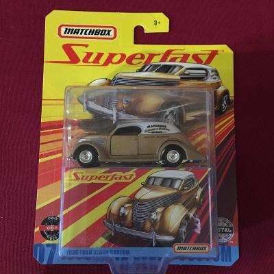 Matchbox Ford Sedan Custom 1936 Gold Superfast
