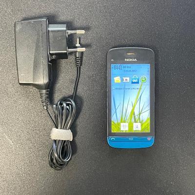 Dotykový telefon Nokia C5-03 - modrá