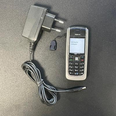 Tlačítkový telefon Nokia 6021