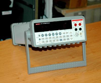 Keithley 2100, digitální multimetr, 1 kV, 3 A, 6,5 digit