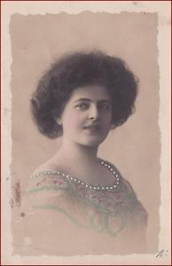 Žena * šaty, kolorovaná, ručně zdobená, atelier foto * X021