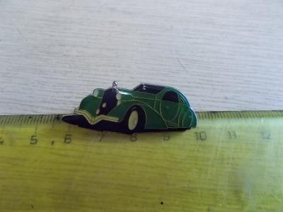 Starší připínací odznak smalt reklama automobil veterán