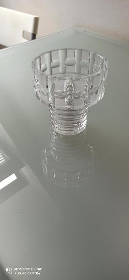 Velmi zajímavá masivní váza, váha 0,795kg.Top stav!!!!  - Starožitnosti