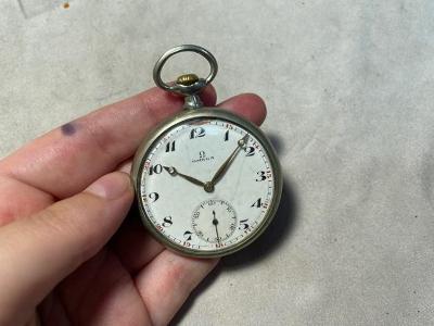 Kapesní hodinky Omega, CH142