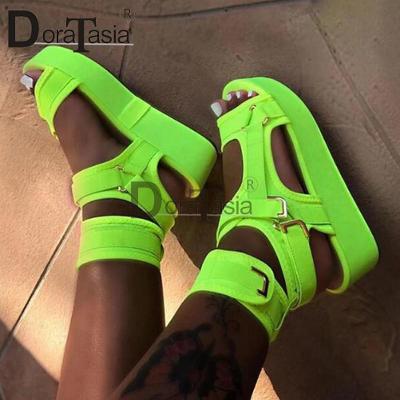 Páskové luxusní dámské sandálky neonově zelené - gladiatorky - vel.41