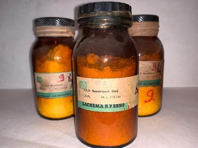 1,2,3-Benztriazol  (C6H5N3, 3x50g)