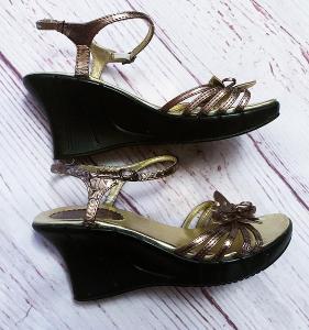Lodičky na klínku Mermaid vel. 37Zlaté sandálky na klínku vel. 38