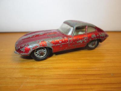 """Matchbox Lesney No 32 """"E"""" Type Jaguar ( C142 )"""